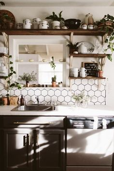 Upgrade Your Countertops With a Skim Coat of Concrete Overla.- Upgrade Your Countertops With a Skim Coat of Concrete Overlay - Concrete Kitchen, Concrete Countertops, Kitchen Countertops, Kitchen Backsplash, Granite, Kitchen Cabinets, Interior Desing, Interior Inspiration, Pantry Inspiration