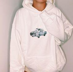 Trendy Hoodies, Cute Sweatshirts, Cool Hoodies, Sweatshirts Vintage, Girls Hoodies, Casual School Outfits, Cute Casual Outfits, Retro Outfits, Sweat Shirt