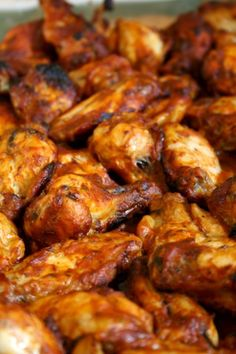jackie's spicy chicken wings – movita beaucoup Chicken Wings Spicy, Chicken Wing Recipes, Grilled Chicken, Baked Chicken, Spicy Wings, Chicken Breasts, Chicken Tenders, Ketchup, Appetizer Recipes