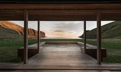 Large openings frame views of the sea and bring sounds of the waves and cooling winds indoors.