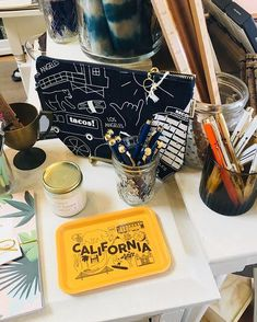 We love when our friends from across the country spot Maptote while out shopping! Check out these snaps from the cutest stationery store: @urbanic #MaptoteStoreSpotlight