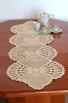 Cream Crochet Table Runner Cotton Table Runner Off-WhiteTable Cloth Table Decoration Center Piece Lace Table Runner Home Décor – Olga – weberei Crochet Doily Patterns, Bead Crochet, Filet Crochet, Crochet Motif, Crochet Doilies, Knitting Patterns, Crochet Table Runner, Lace Table Runners, Table Runner Pattern