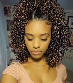 Do you guys like this Beautiful Hair Styles for Black Women? Easy Updos For Medium Hair, Medium Hair Styles, Curly Hair Styles, Natural Hair Styles, Hair Medium, Medium Curls, Pretty Hairstyles, Girl Hairstyles, Braided Hairstyles