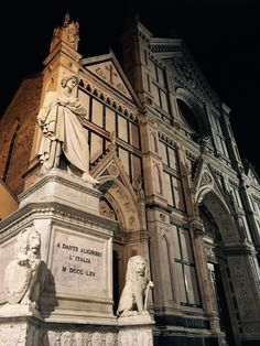 Also posted on Campus Florence The best way to document your study abroad experience in Florence is through pictures, right? Here are 7 spots you must photographin Florence that are guaranteed totake your Instagram page to the next level. THE DUOMO (CATTEDRALE DI SANTA MARIA DEL FIORE) Whether you're rocking a selfie stick,posing with a …