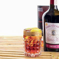 By Charles Flamminio 1/3 di Vodka al cocco e cioccolato semi di zucca 1/3 di Bitter Rosso 1/3 di Vermouth Rosso buccia di pompelmo rosa  #lamadia #cocktail #vermouth #vodka