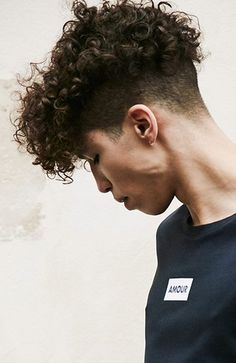 10 Stylish Hairstyles for Men with Curly Hair