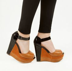 LOLO Moda: Colorblocked wedge