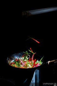 Wok on Fire – Sponsored by Heldbergs Creative Photography, Food Photography, Restaurant Poster, Door Design Interior, Persian Culture, Cafe Food, Food Crafts, Latte Art, Ceviche