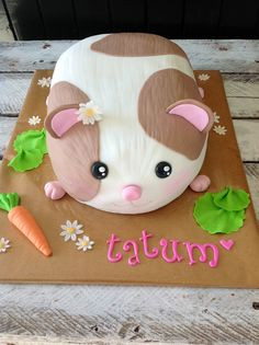 By Kaylee Haman, hamster/guinea pig cake Cute Guinea Pigs, Cute Hamsters, Pretty Cakes, Cute Cakes, Unique Cakes, Creative Cakes, Fruits Decoration, Pig Birthday Cakes, Funny Cake