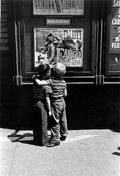 Louis Stettner, Boys on Second Ave