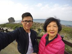 每次路過必留下回憶🤗 - #taiwan #kenting #trip #kentingtrip #amazing #paradise #view #getaway #goprohero4 #love #landmark #beautiful #photooftheday #travel #travelgram #taiwantrip #withmommy #taiwanese #goproselfie #selfie #picoftheday #beautifulview #amazingtaiwan #beautifultaiwan #台灣 #墾丁 #船帆石 #美 by mo_hank. landmark #view #船帆石 #kentingtrip #selfie #amazingtaiwan #getaway #love #台灣 #beautiful #picoftheday #travel #goprohero4 #withmommy #trip #photooftheday #travelgram #taiwantrip #墾丁 #amazing…
