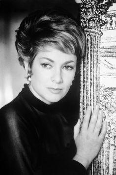 Ruth Leuwerik (* 23. April 1924 in Essen; † 12. Januar 2016 in München) war eine deutsche Schauspielerin.