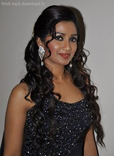 Bollywood Actress Hot Photos, Beautiful Bollywood Actress, Shreya Ghoshal Hot, Beautiful People, Beautiful Women, Actress Anushka, Beauty Full Girl, Celebrity Wallpapers, Indian Beauty Saree