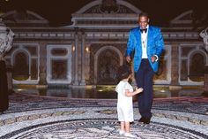 Beyonce shares new pictures of her glamorous New Year's Eve bash with Jay Z, Blue Ivy, Kelly Rowland, Michelle Williams, and more -- see the photos! Beyonce 2013, Beyonce And Jay Z, Blue Ivy Carter, Jay Z Blue, Beyonce Family, Versace Mansion, Father Knows Best, Carter Family, Cute Celebrities