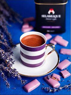 Envie d'une #pause #café ? Café et #chocolat : un duo de légende... | #turkishcoffee #coffeelovers #coffeetime #chocolate #selamlique