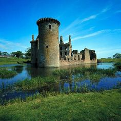 SCOTLAND: Caerlaveroc Castle, Dumfries & Galloway. - I love the color of this picture of my Maxwells' old homeplace.