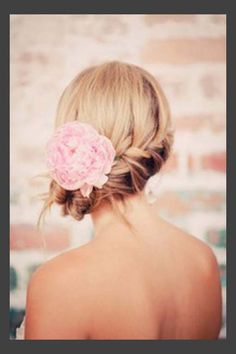 Hairstyles, Wedding Updos For Medium Length Hair With Flowers: Simple Style of Wedding Updos For Medium Length Hair