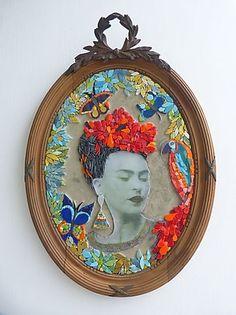 Réalisations Sandrine Daubrège, Mosaïque Contemporaine Mirror Mosaic, Mosaic Wall Art, Mosaic Glass, Glass Art, Stained Glass Birds, Stained Glass Panels, Fused Glass, Murs Roses, Mosaic Portrait