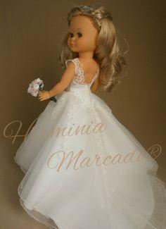Muñecas Nancy personalizadas en novias - Página web de herminiamarcado Girl Doll Clothes, Doll Clothes Patterns, Clothing Patterns, Girl Dolls, Vestidos Nancy, Our Generation Doll Clothes, Pram Toys, Barbie, America Girl