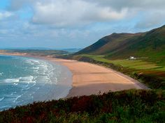 When you witness the majesty of Rhossili Bay, it is little wonder that it has received such acclaim. Voted the best beach in Britain in 2010 as well as regularly ranking highly in visitor reviews and opinion polls, Rhossili Bay has been the ...