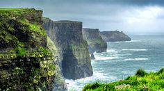 The Cliffs of Moher are just one of 5 fascinating points of interest in Ireland!… Die Cliffs of Moher sind nur eine von 5 faszinierenden Sehenswürdigkeiten in Irland! Oh The Places You'll Go, Cool Places To Visit, Places To Travel, Ireland Vacation, Ireland Travel, Sequoia National Park, Voyage Europe, Ireland Landscape, All Nature