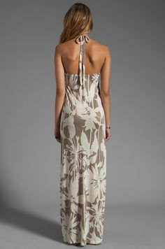 Velvet by Graham & Spencer Orville Corfu Maxi Dress em Camafeu | REVOLVE
