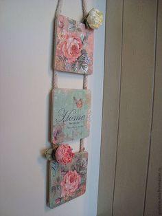 Купить или заказать Триптих  Кремона в интернет-магазине на Ярмарке Мастеров. Нежный набор , состоящий их триптих панно . Романтичные цвета , элегантные розы- станут настоящим украшением Вашего дома. В этом же стиле представлены: ключница, часы ,2 вешалки, панно и декоративн…