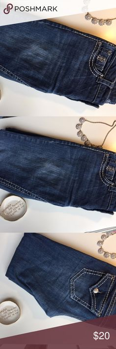 Paisley Sky Skinny Jeans Paisley Sky skinny jeans with a bit of bling on the pockets and white stitching down the leg. Very cute jeanas for fall! A little bit of loose stitching, but overall good condition. Make me an offer! Paisley Sky Jeans Skinny