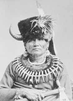 In 1877, Chief Standing Bear's Ponca Indian tribe was forcibly removed from their Nebraska homeland and marched to what was then known as Indian Territory (now Oklahoma). Description from pinterest.com. I searched for this on bing.com/images