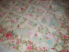 vintage quilt shabby chic dresden plate quilt cotton bat hand rh pinterest com shabby chic patchwork quilt patterns shabby chic quilt tutorial