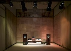 One of our largest listening rooms with High-End Audio Note equipment (eg Ongaku). On the back you see our own designed acoustic solution for this specific room.