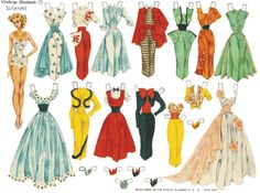 My mother gave me these paperdolls this weekend when we visited a museum. There are reproductions but beautiful none the less... I feel so ...