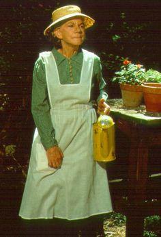 Grandma Walton Ellen Corby with her apron on Ellen Corby, The Waltons Tv Show, John Boy, Sewing Aprons, Aprons Vintage, Old Tv Shows, Look Vintage, Textiles, Classic Tv