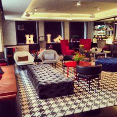 QT Sydney guest lounge