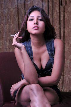 Komal Jha hot cleavage show