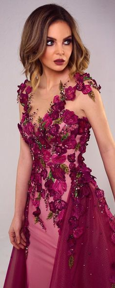 Tony Chaaya 2018 collection - Couture - www. Lovely Dresses, Beautiful Gowns, Elegant Dresses, Couture Mode, Haute Couture Dresses, Evening Dresses, Prom Dresses, Formal Dresses, Floral Fashion