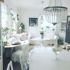 Shabby and Charming: A beautiful Swedish home