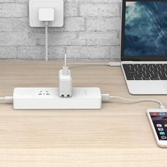 ORICO IPC-2A4U-V1 Smart Charging Desktop Surge Protector Power Strip with 2 AC Outlets and 20W 4 USB Ports for Phones, Tablet PC, US Plug(White)