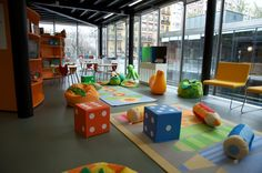 La biblioteca Eugenio Trías – Casa de Fieras (Parque del Retiro) - Madrid. La biblioteca Eugenio Trías – Casa de Fieras, abierta de lunes a domingo | zonaretiro.com