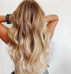 Check out our website to see our list of trendy long wavy hair like this! Photo credit: Instagram @sarabotsfordhair Long Wavy Hair, Latest Hairstyles, Hair Colors, Photo Credit, Long Hair Styles, Website, Check, Beautiful, Beauty
