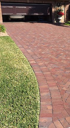 Spice up your next DIY project by using Pine Hall Brick's Rumbled Beale Street authentic clay pavers. A rustic blend of colors.