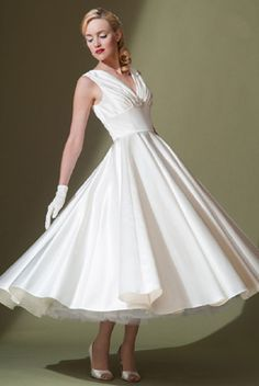 Gorgeous reception style dress @Stacey- Christine Segal   FairyGothMother - fifties tea length wedding dress by Lou Lou.