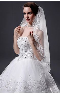2017 Flowers Wedding Veils Real Image Tulle Bridal Veil With Comb Cheap Veil Discount Bridal Veils From Dresses000, $22.12| Dhgate.Com