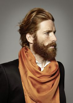 The scarf, the jacket, the color. Photography by Yves Borgwardt