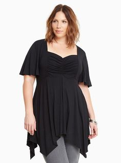 Cinch Front Sweetheart Handkerchief Hem Top in Black List Style, My Style, Plus Size Kleidung, Black Knit, Plus Size Tops, Torrid, Plus Size Outfits, Fitness Models, Tunic Tops