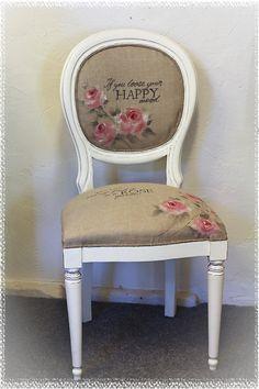 Målade på konstnärsdukstyg, linnetyg alltså, löööv roses! #roses #furnitures #chair #painted