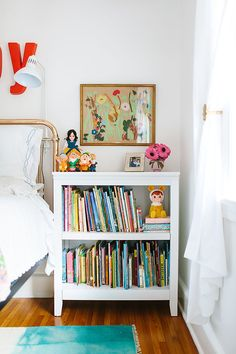 White bookshelf for kids room. Kids Room Bookshelves, White Bookshelves, Bookshelf Table, South Carolina Homes, Modern Dining Table, Girls Bedroom, Bedroom Ideas, Bedrooms, Kid Spaces