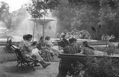 1956 parc izvorul rece 11 Paris, Bucharest Romania, Beautiful Places, Memories, Country, Painting, Film, Vintage, Fotografia