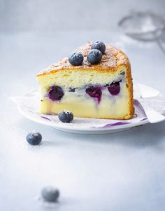 "The ""magic cake"", the new wonder that the buzz French Desserts, French Food, Just Desserts, Delicious Desserts, Yummy Food, My Recipes, Sweet Recipes, Cake Recipes, Dessert Recipes"