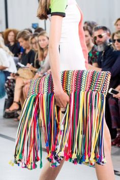 Explore the Over-the-Top Bags at Milan Fashion Week Emilio Pucci Spring Fashion 2017, Fashion Bags, Love Fashion, Spring Fashion, Luxury Fashion, Fashion Show, Womens Fashion, Fashion Trends, Milan Fashion
